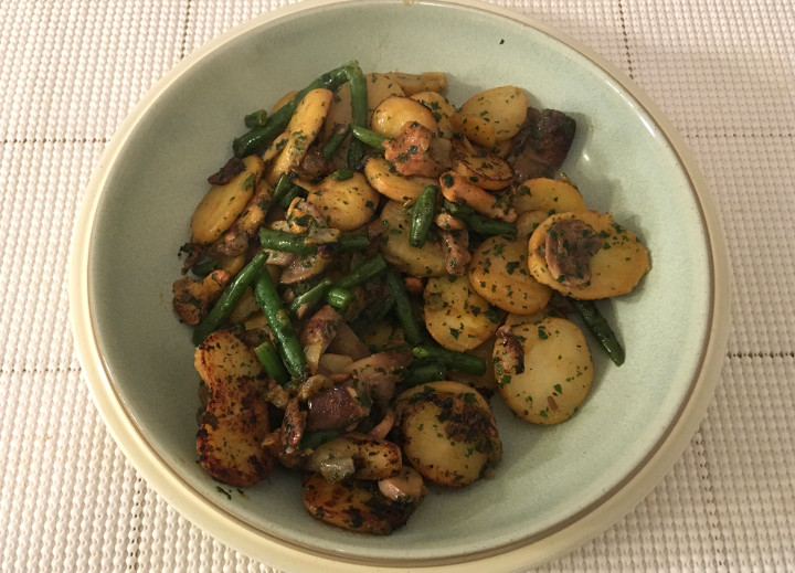 Trader Joe's Country Potatoes with Haricots Verts & Wild Mushrooms